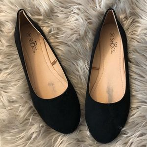 Shoes - Brand new black suede flats